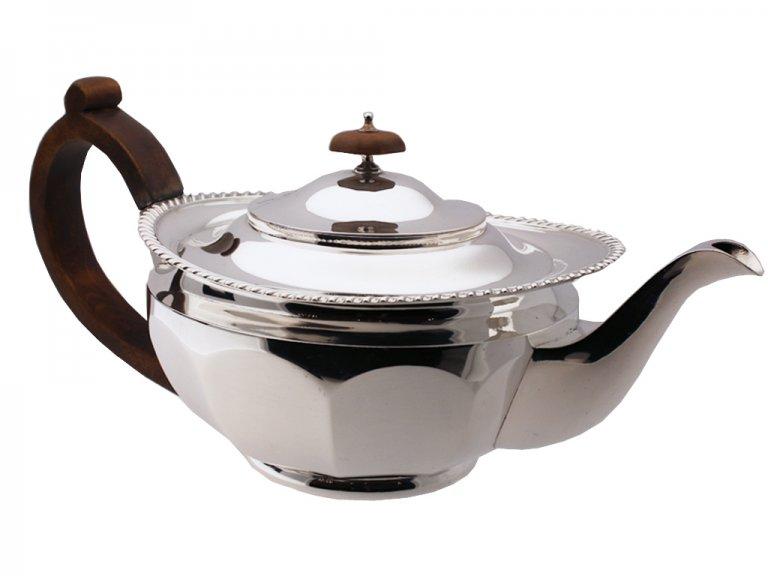 Mappin and Webb Silver tea pot, circa 1931.