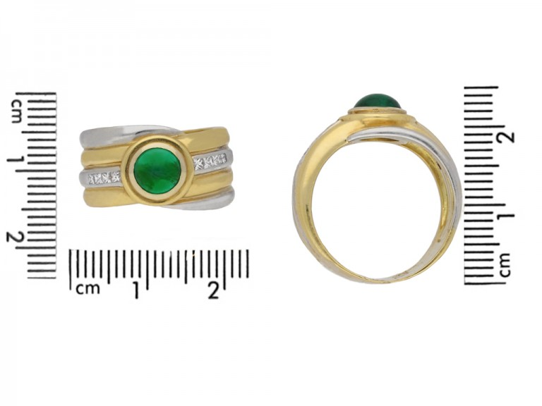 size veiw Emerald and diamond cabochon ring.