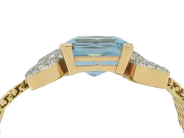 side view Aquamarine and diamond bracelet,