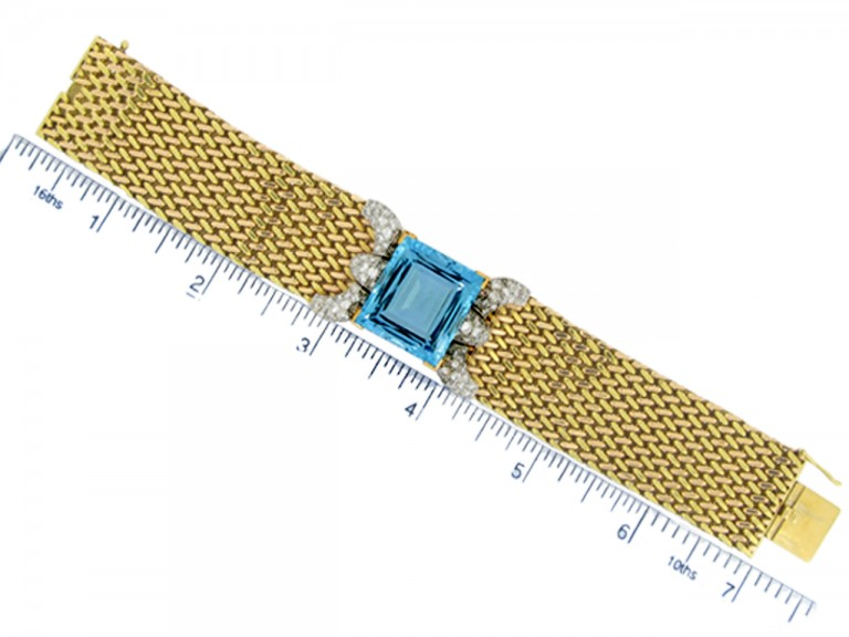 size view Aquamarine and diamond bracelet,