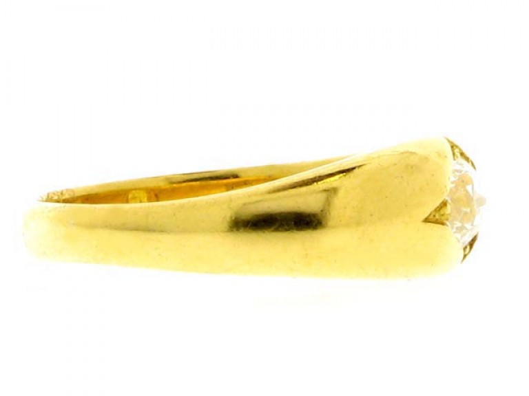 side view Antique solitaire diamond ring, circa 1900.