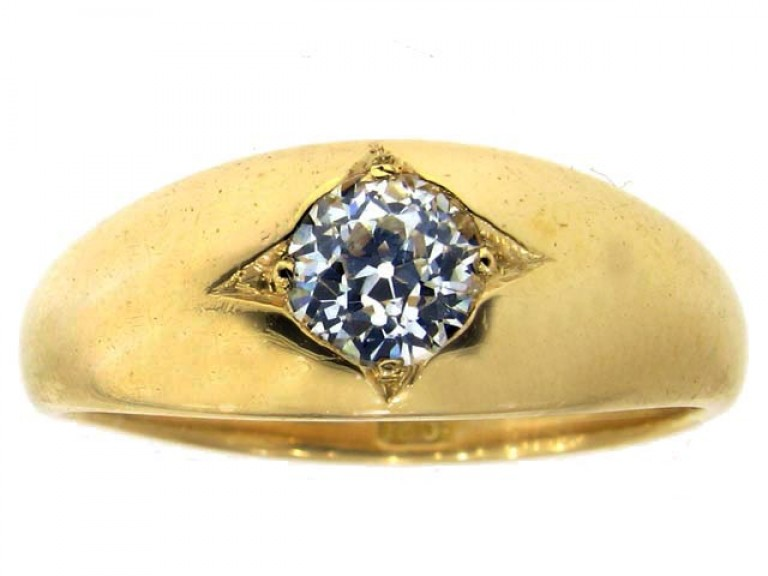 front view Antique solitaire diamond ring, circa 1900.
