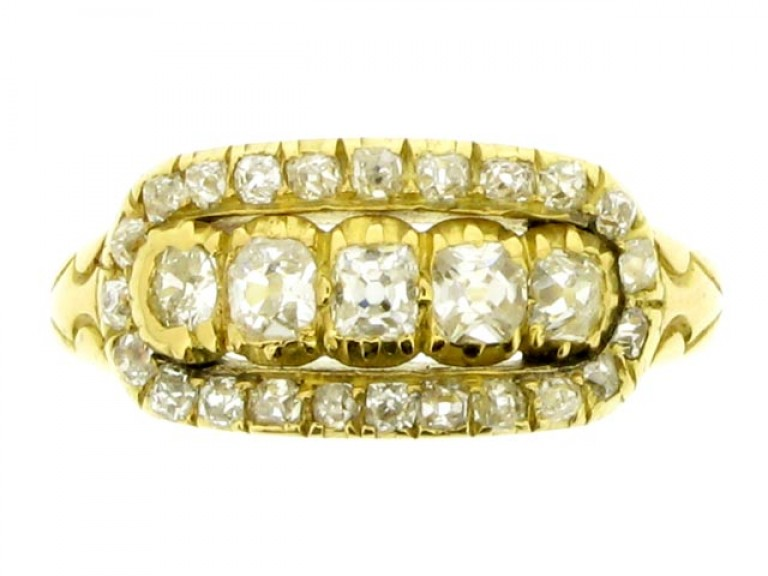 front view Wright & Son antique diamond cluster ring in gold, English, circa 1906.