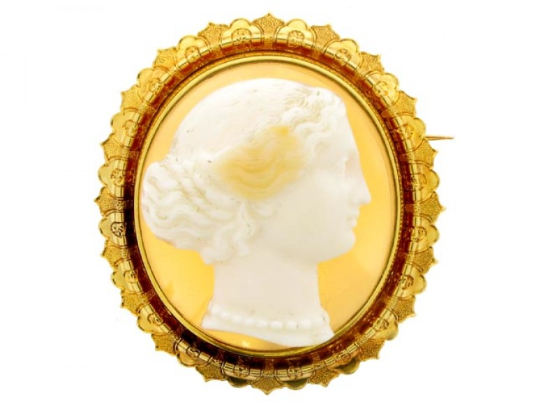 front view Antique Hardstone Cameo Brooch