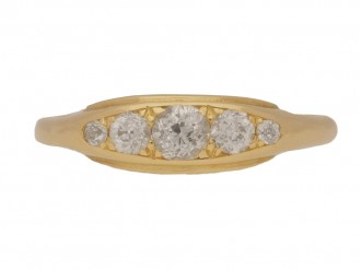 front view Five stone diamond ring in yellow gold, circa 1900.