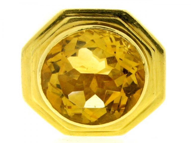 front view Fred of Paris solitaire citrine ring in yellow gold, circa 1970.