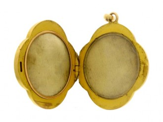 front view Antique diamond set 'tennis' locket, circa 1905.