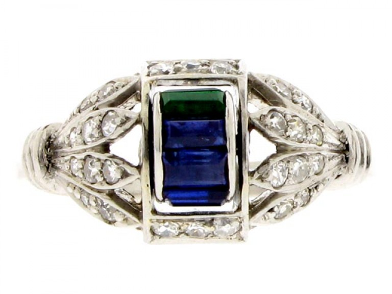 front view Art Deco sapphire, emerald and diamond barrel ring, circa 1930.