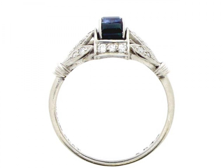 back view Art Deco sapphire, emerald and diamond barrel ring, circa 1930.