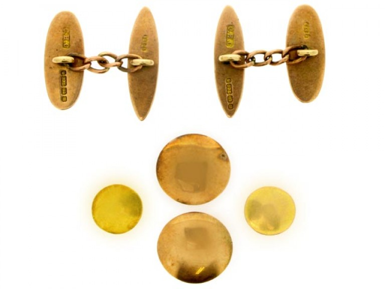 Antique dress set in 9ct yellow gold, circa 1895.