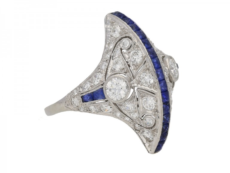 side view Calibré sapphire and diamond ring in platinum, circa 1935. berganza hatton garden