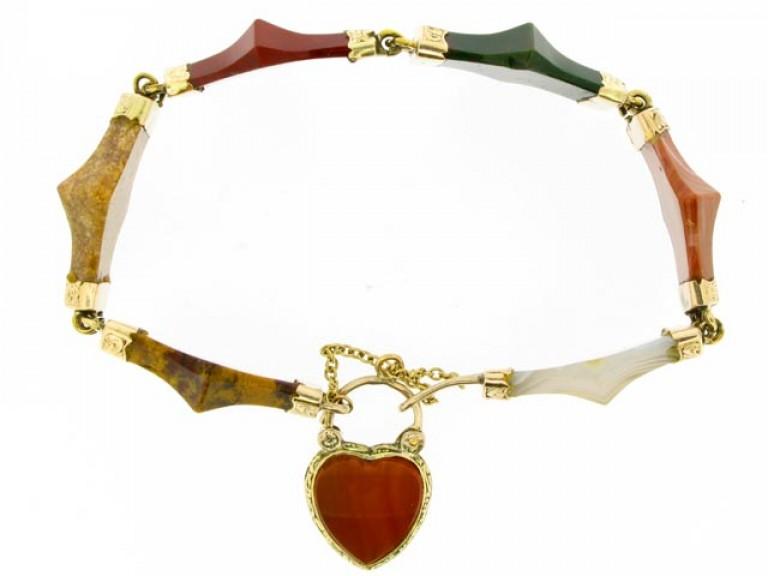 SDIE VIEW Antique Scottish agate padlock bracelet in gold.