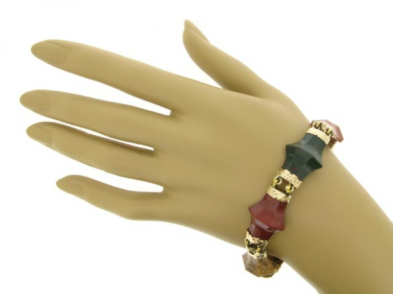 HAND VIEW Antique Scottish agate padlock bracelet in gold.