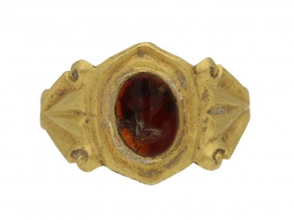 Ancient Roman cornelian signet ring, 2nd to 3rd century AD berganza hatton garden