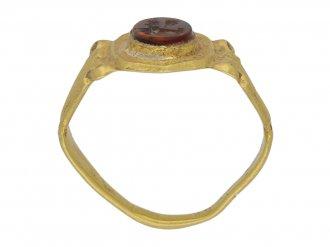 Ancient Roman cornelian signet ring, 2nd to 3rd century AD berganza hatton garden