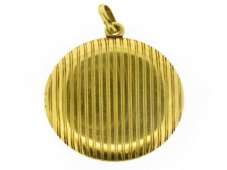 front veiw Antique three picture gold locket, French circa 1900.